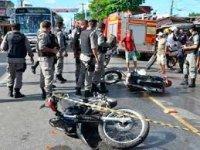 Mulher morre em acidente de moto na Capital